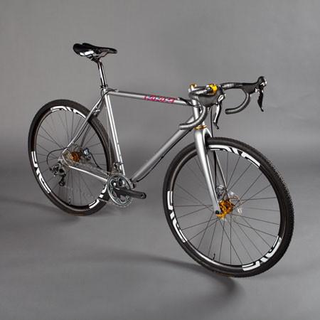 ロードバイク専門店スプリントは、CIELOなどハイブランドを取り揃えている販売店(取扱店)です!